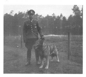 Herr Michael von der Polizeistation Wintermoor, ca. 1955 - aus 200 J. Colonie Wintermoor
