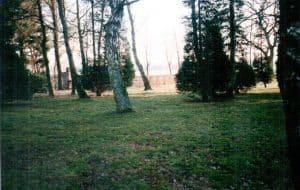 Anonymes Massengrab für Hamburger Bombenopfer, die im Gesundungshaus Wintermoor während des Zweiten Weltkriegs gestorben sind - Friedhof Wintermoor 1998