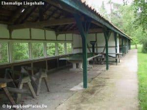 Ehemalige Liegehalle im Teil 2 des Waldkrankenhauses Wintermoor (Foto: Michael Grube www.geschichtsspuren.de)