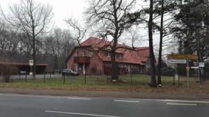 Alte Schule Wintermoor von der Langen Straße aus im Januar 2017