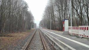 Blick über die Gleise nach Norden, Bahnhof Wintermoor im Januar 2017