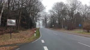 Blick auf die Lange Straße von der Kreuzung Wintermoorer Straße aus (Januar 2017)