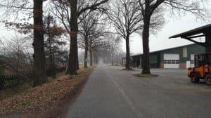 Wintermoorer Straße in Richtung Barrl auf Höhe der Alten Schule, Januar 2017