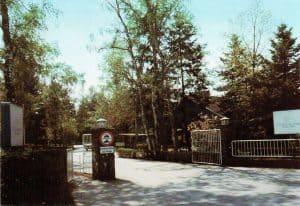 Eingang zur ENDO-Klinik Wintermoor um 1977 - Ansichtskarte 729 Verlag R. Reher