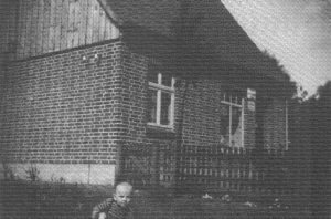 Haus von Otto Bleeken in der Poststraße -aus 200 J Colonie Wintermoor