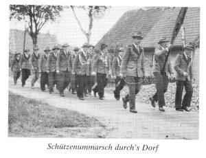 Schützenmarsch durchs Dorf - Gut Ziel - aus 200 J. Colonie Wintermoor