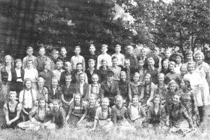 Schule Wintermoor in den Vierziger Jahren - aus Chronik 200 Jahre Wintermoor-Geversdorf