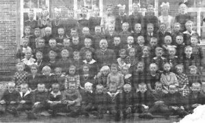 Schule Wintermoor in den Zwanziger Jahren - aus Chronik 200 Jahre Wintermoor-Geversdorf