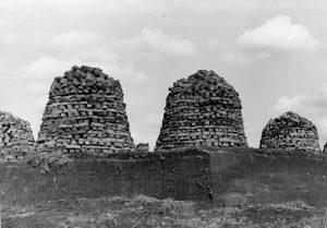 Kunstvolle Torfpyramide bei Wintermoor, GERMIN 1935 © SLUB Deutsche Fotothek GERMIN Lizenz Freier Zugang - Rechte vorbehalten