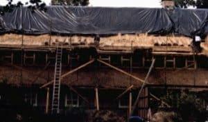 Beim Ausbau des Obergeschosses 1985-86 wurde ein Erker in die Rückseite des Hauses gesetzt und das Dach vom Ramakershof mit Reet neu eingedeckt.