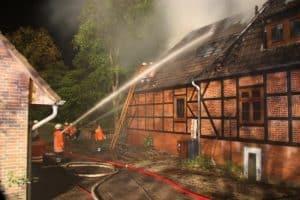 Gebäudebrand in Wintermoor 16.05.2009 (Detail), Bild: feuerwehr-heidekreis.de