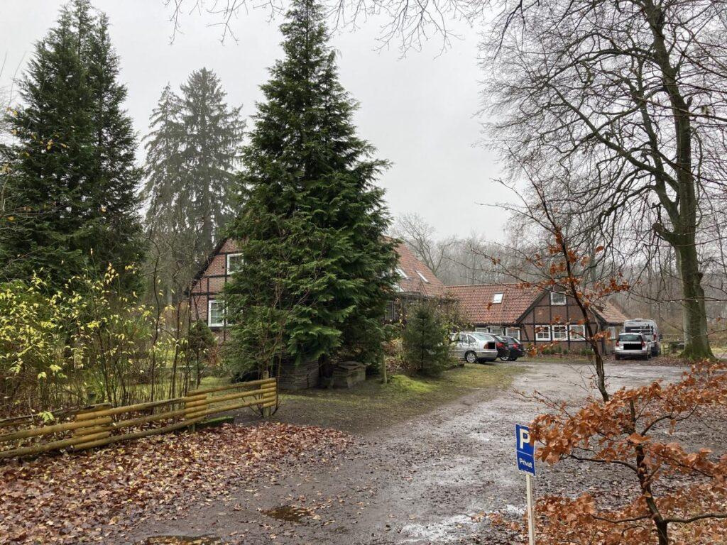 Blick auf Niederhaverbeck 6 - alte Dorfschule - im Dez 2020